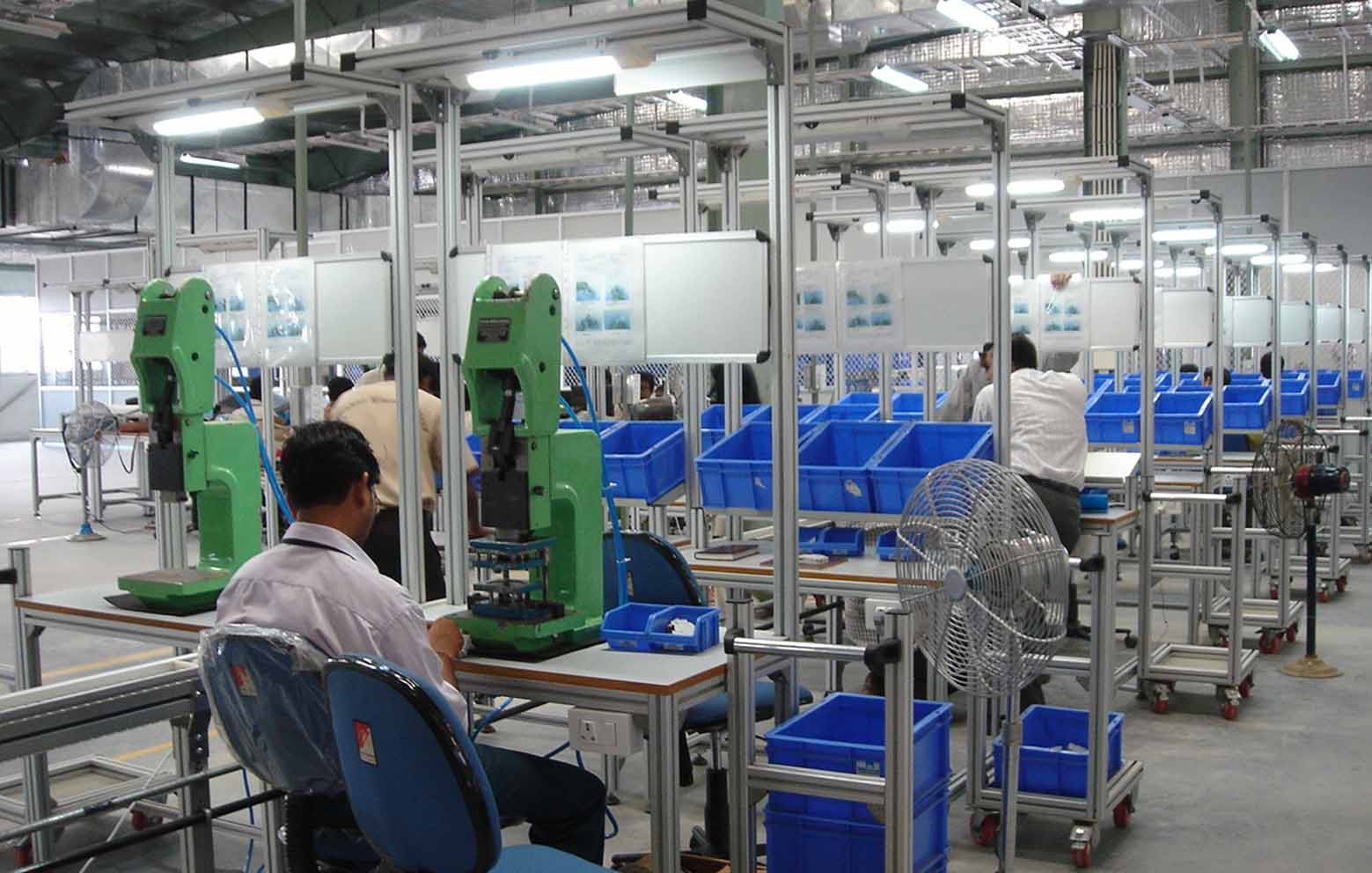 Alstrut offers turnkey robotics & industrial automation solutions to